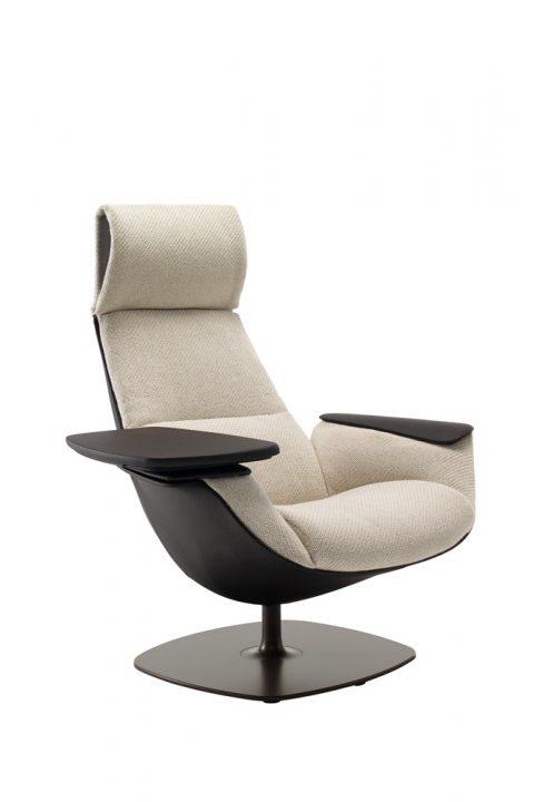 Priimamojo poilsio baldai Massaud Seating